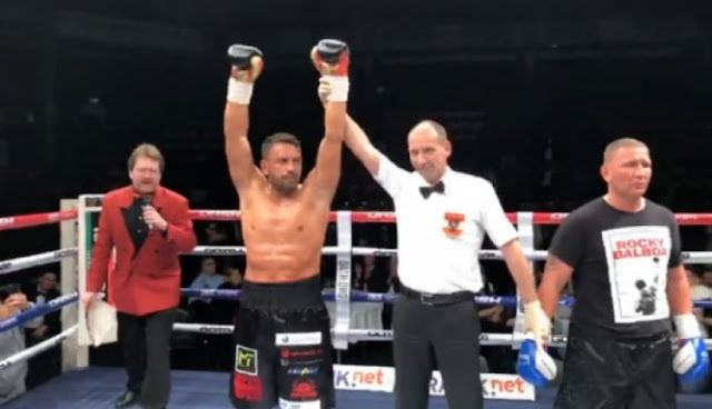 Sefer Seferi wins after knockout his opponent in second round