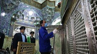 """Makam 400 Orang """"Suci"""" Syiah Jadi Pusat Penyebaran Virus Corona di Iran"""