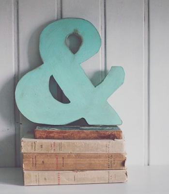 Lista de ideas para regalar a personas especiales, letras de madera