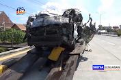 Travel Terguling Di Jalur Tol Ngawi, 7 Penumpang Dan Sopir Terluka
