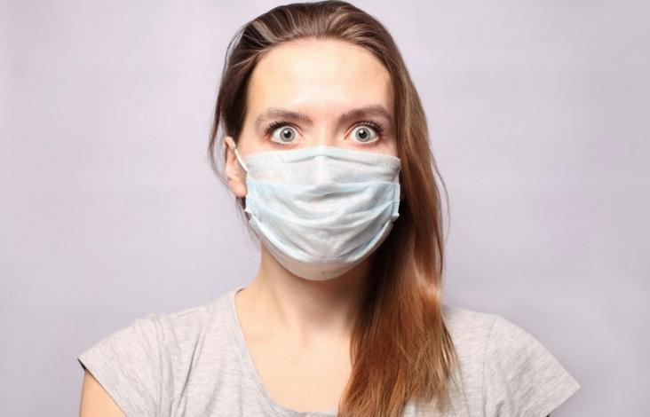 Αλαλούμ! Τσακωμοί, φόβος και χοντράδες τα πολλαπλά επικοινωνιακά λάθη για τα εμβόλια τις τελευταίες ημέρες