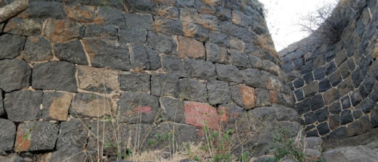 वर्धनगड किल्ला - Vardhangad Fort