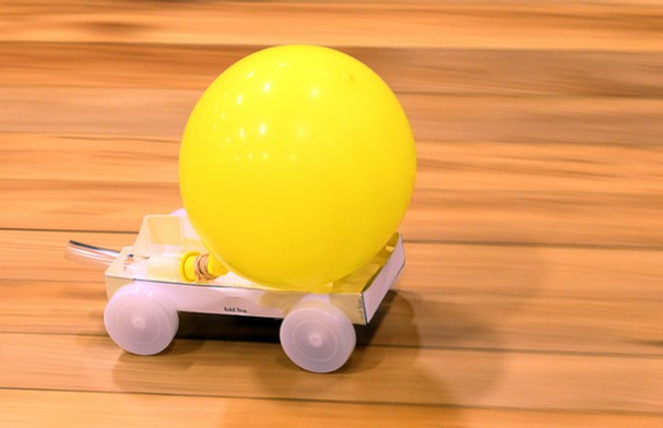 Jet Powered Car And A Balloon 114