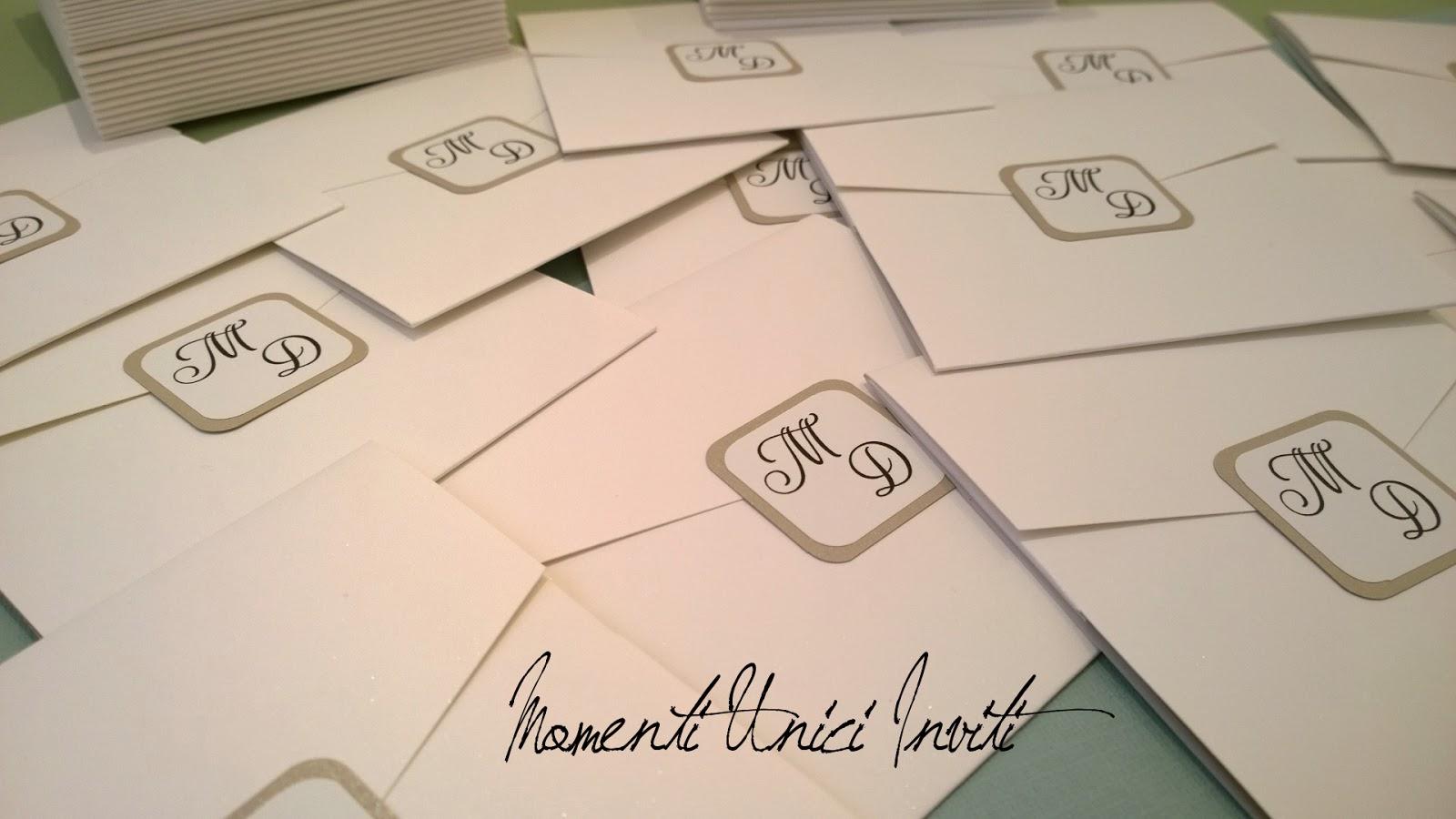 d2 L'eleganza della semplicità... le partecipazioni di Marco e DeniseColore Bianco Colore Sabbia Partecipazioni Pocket