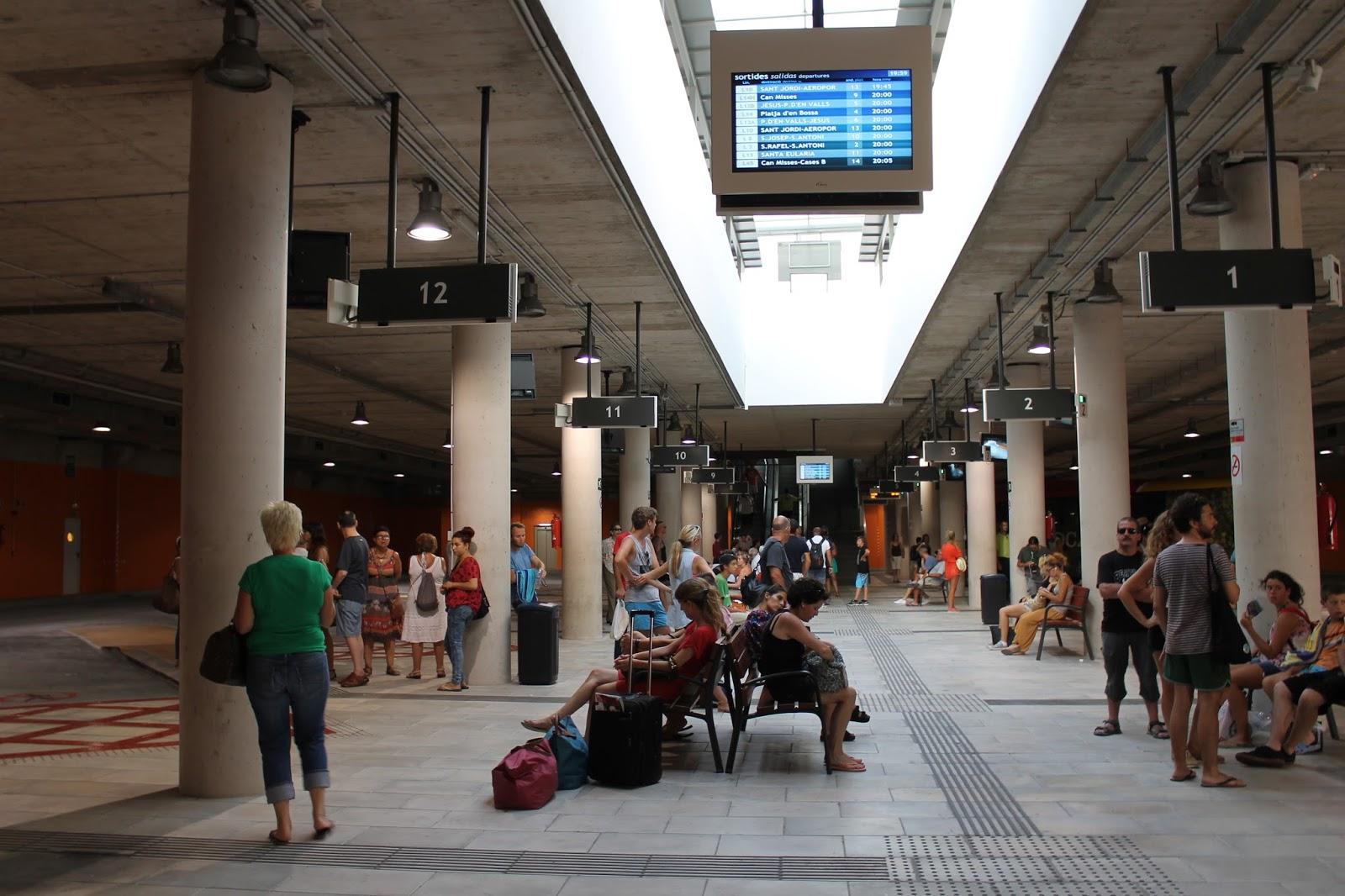 Estación de autobuses Cetis Ibiza