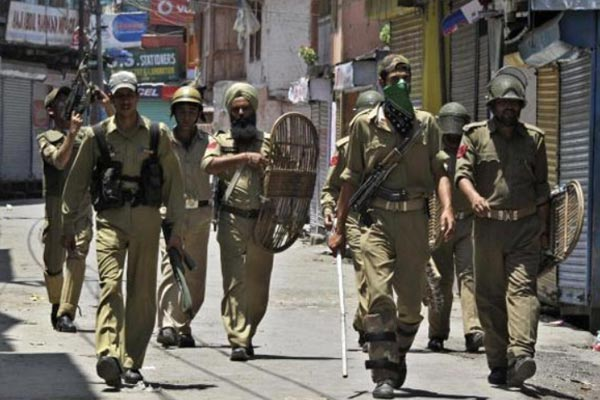 Separatist firing kills two policemen in Srinagar, Indian-controlled Jammu and Kashmir