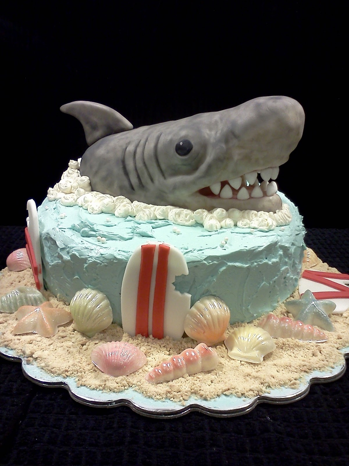 Lindy S Bayside Confections Shark Cake And Cupcakes