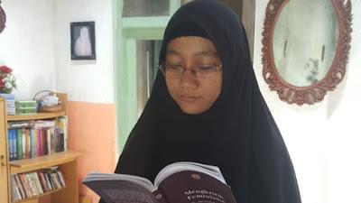 Menjadi Setegar Siti Hajar