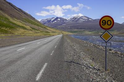 limite de velocidad en carretera - seguridad vial islandia