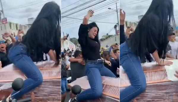 Mujer causa polémica por perrear sobre un ataúd en pleno funeral