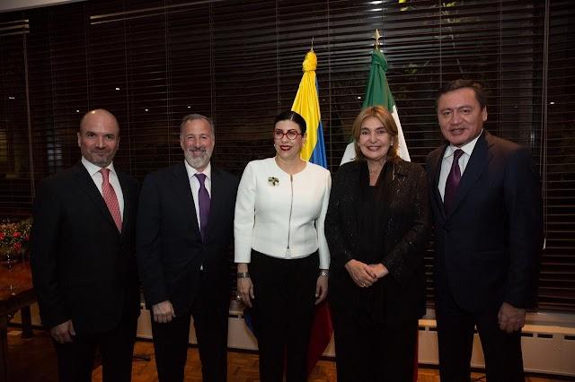 CONDECORAN CON LA ORDEN DE SAN CARLOS POR PARTE DE LA REPÚBLICA DE COLOMBIA A LA SENADORA VANESSA RUBIO MÁRQUEZ