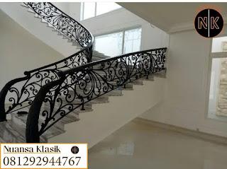 railing tangga klasik besi tempa