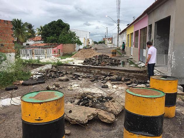 Prefeitura de Delmiro Gouveia inicia recuperação de ponte no bairro Campo Grande