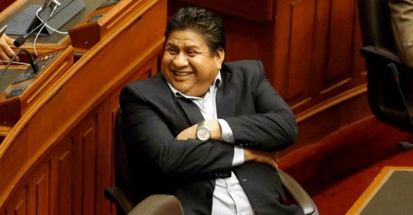 Congresista fujimorista Glider Ushñahua sostiene que sueldo no le alcanza para pagar demanda de alimentos