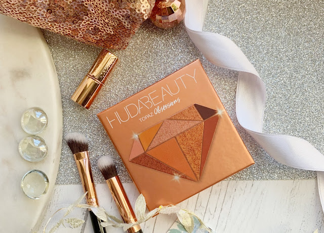 cult-beauty-box-2019-huda-beauty-topaz-obsessions-palette