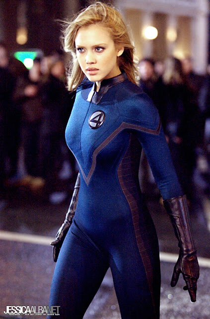 Full torso shot of Jessica Alba as Joanna Storm in Fantastic Four movieloversreviews.blogspot.com