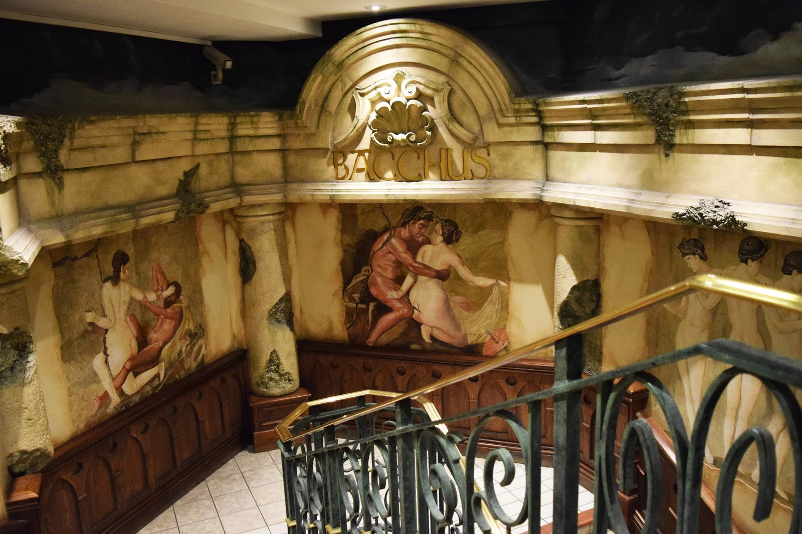 The entrance to Bacchus bar