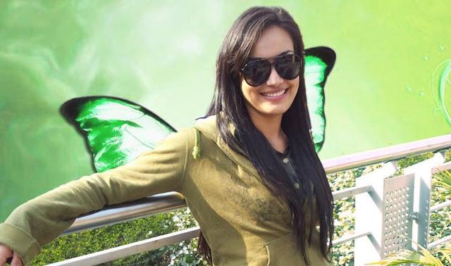 Spices Girls Pictures: Surbhi Jyoti Aka Zoya Qubool Hai