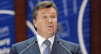 Суд приговорил Януковича к 13 годам заключения за госизмену