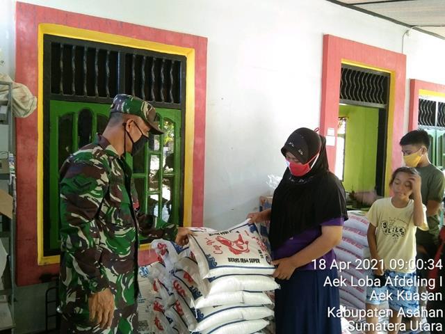 Personel Jajaran Kodim 0208/Asahan Laksanakan Komsos Sekaligus Pantau Harga Sembako