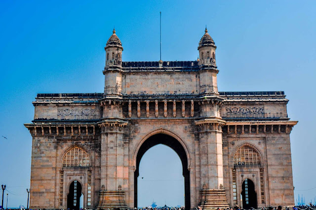 Top-10-Monuments-in-India
