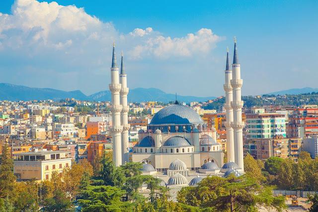 السياحه في تيرانا ألبانيا