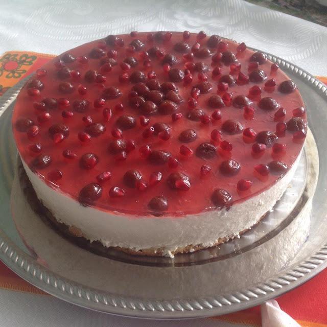 Чийз кейк с вишни и нар
