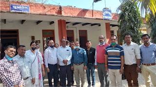 राज्यकर्मियों ने पशु चिकित्सालय पर किया गेट मीटिंग | #NayaSaberaNetwork