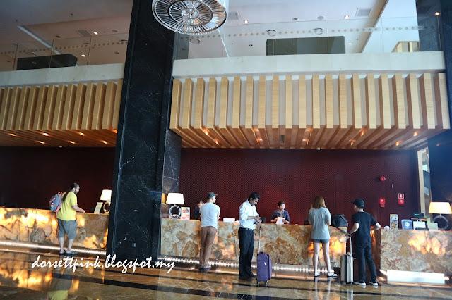 http://dorsettpink.blogspot.com/2017/04/weeekend-getaway-at-light-hotel-penang.html