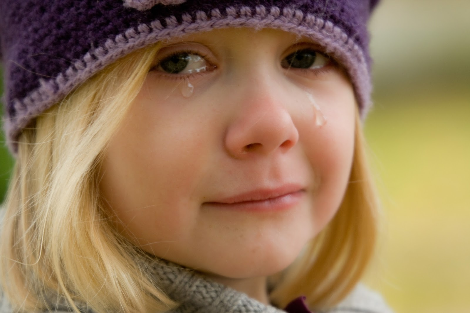 niña llorando · conlosochosentidos.es