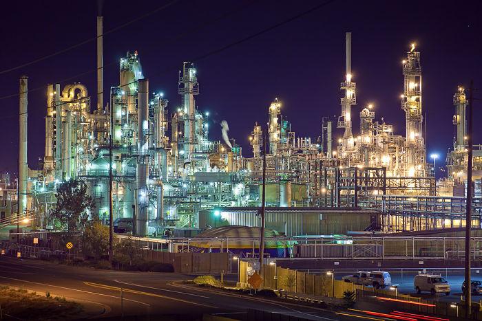 Los catalizadores heterogéneos son muy utilizados en la industria petroquímica