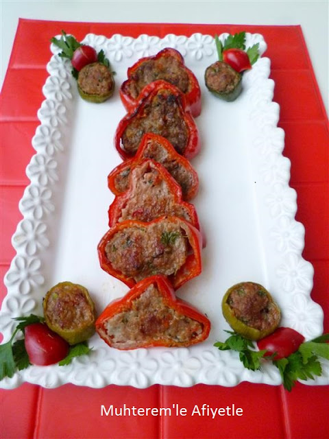 Meatballs in red pepper