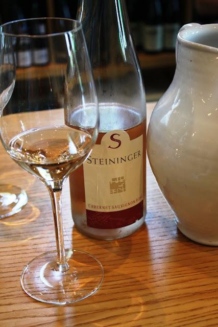 Hervorragend: der Cabernet Sauvignon Rosé vom Weingut Steininger © Copyright Monika Fuchs, TravelWorldOnline