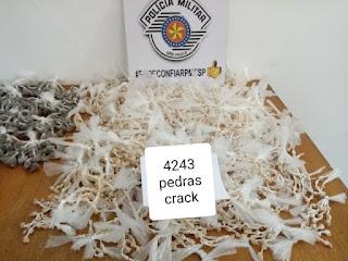 Policia Militar prende casal com 5726 pinos de cocaína em Juquia