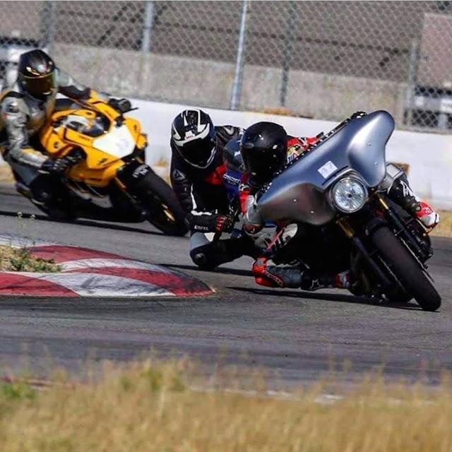 Machines de courses ( Race bikes ) - Page 20 Performance%2Bbaggers%2B1080x1080-003