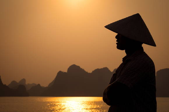 你在越南交友app、越南交友網站中的越南女友,是真的越南妹?還是越南大叔?