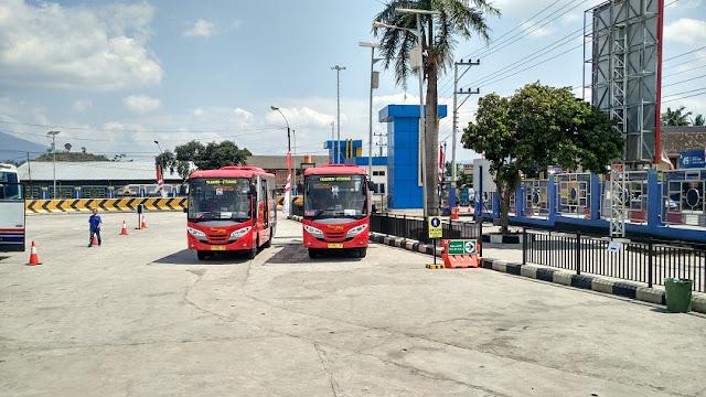 Bus Trans Jateng di Terminal Bawen