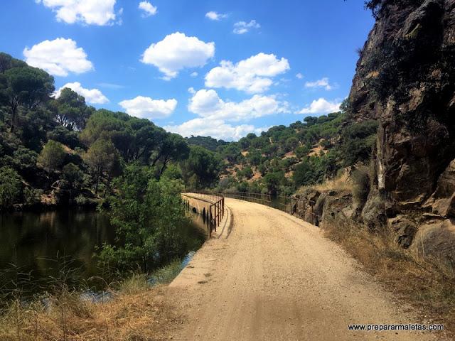 senderismo fácil en Madrid cerca del Pantano de San Juan