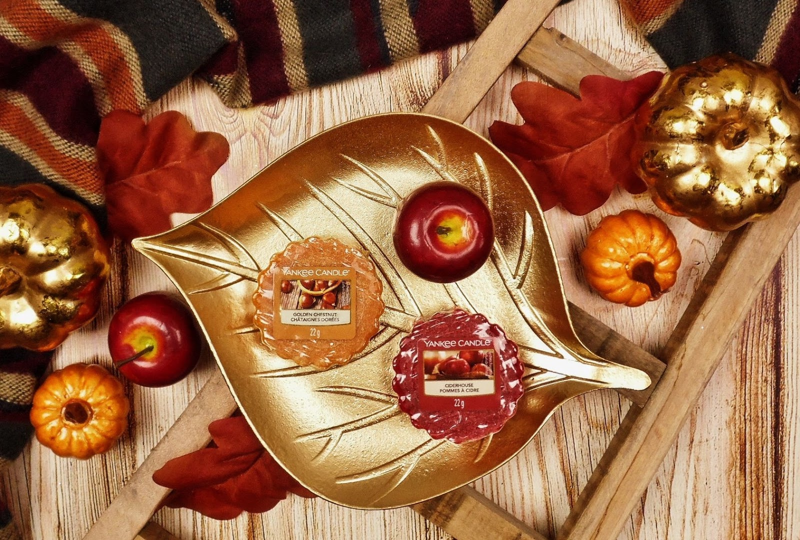 Spacer po jesiennym targu - Golden Chestnut i Ciderhouse Yankee Candle