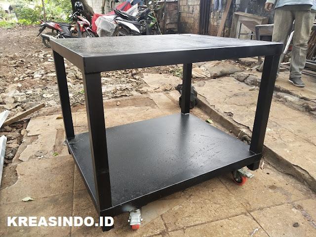 Beragam Jenis Meja Mesin Besi dan Keunggulannya