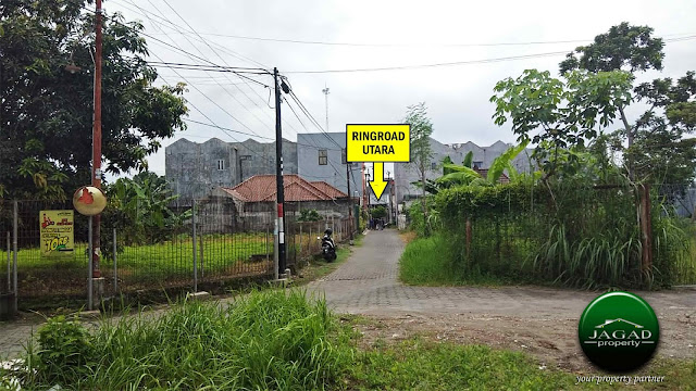 Tanah Hook di Condongcatur dekat UGM