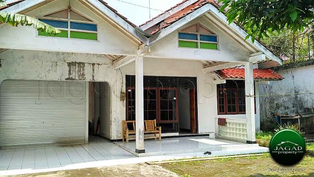 Rumah Tepi jalan dekat Kampus UII Jalan Kaliurang