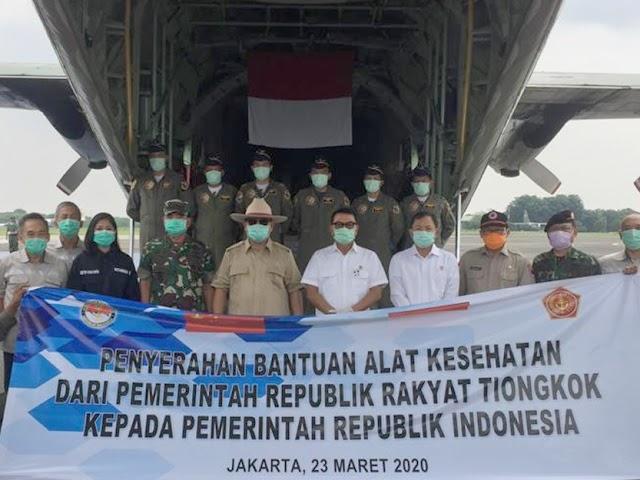 Bantuan Alat Kesehatan dari Tiongkok Sebanyak 8 Ton Tiba di Indonesia