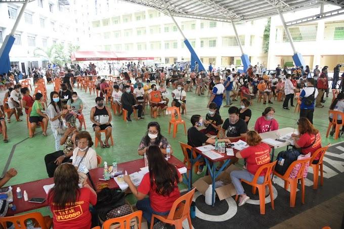 Pamimigay ng cash aid, sinimulan na sa Maynila