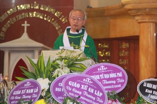 Ngày thứ Ba: Kính viếng và cầu nguyện cho Đức cha Phanxicô Xaviê Nguyễn Văn Sang - Ảnh minh hoạ 36