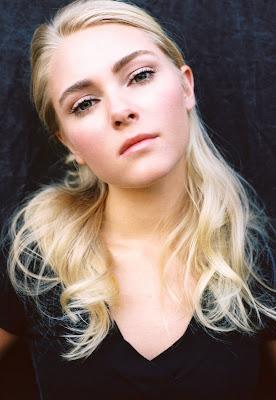 """News: Escolhida a personagem principal da serie """"The Carrie Diaries"""". 5"""