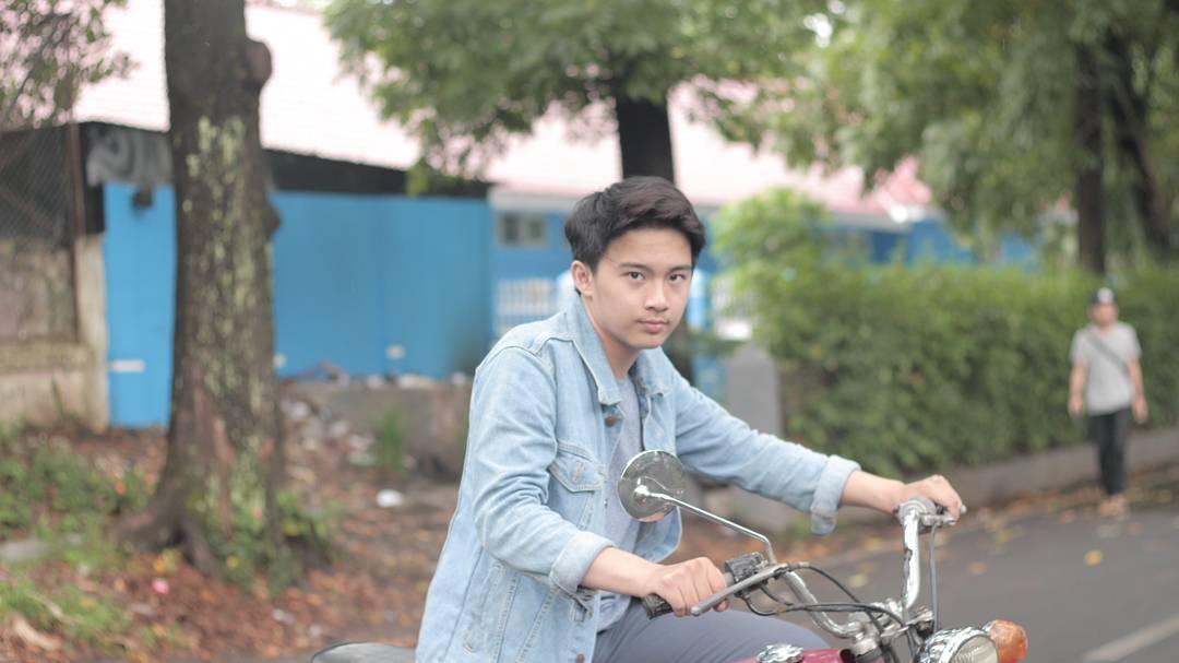Gusti Reyhan Gibayus memerankan tokoh Akew di film Dilan