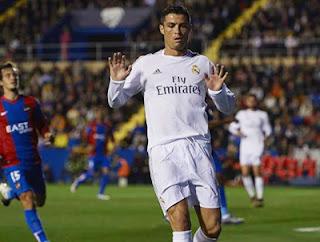 Cristiano Ronaldo Bintang  Real Madrid Kalahkan Levante