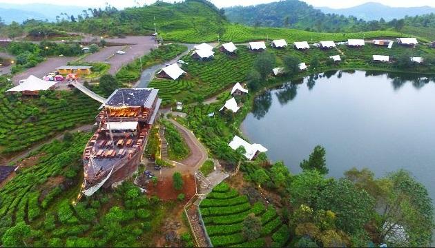 Pinisi Resto Bandung