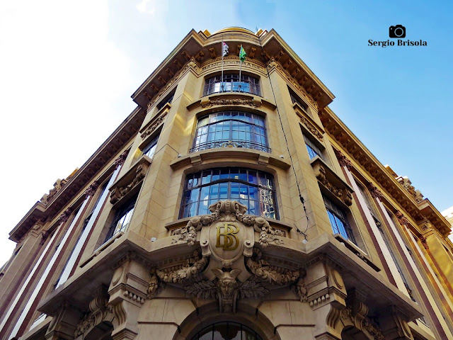 Perspectiva inferior da fachada do Centro Cultural Banco do Brasil - Centro - São Paulo